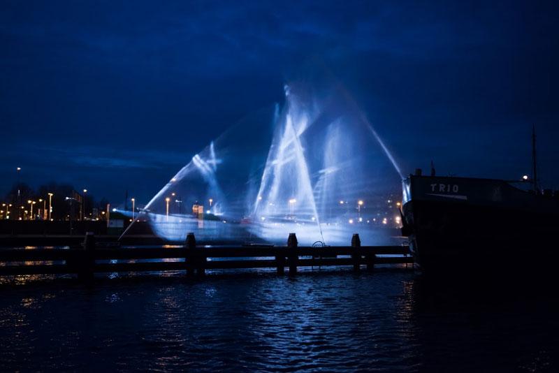 visual skin Recreates Flying Dutchman Ghost Ship (1)