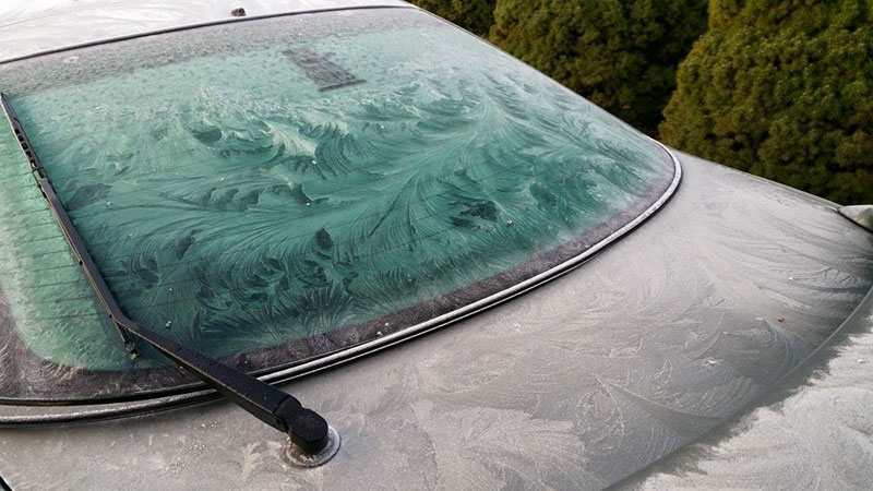 frost on windshiel looks like ocean waves Picture of the Day: Frost on Windshield Looks Like Waves in an Ocean