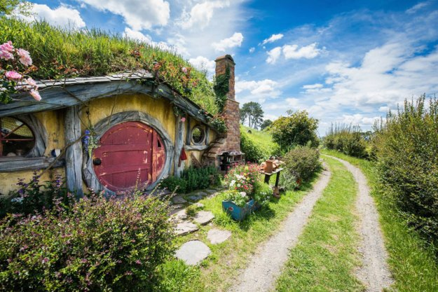 hobbiton movie set tour new zealand (10)