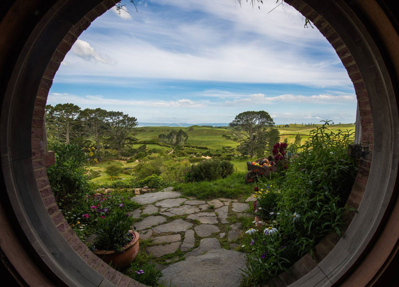 hobbiton movie set tour new zealand (13)