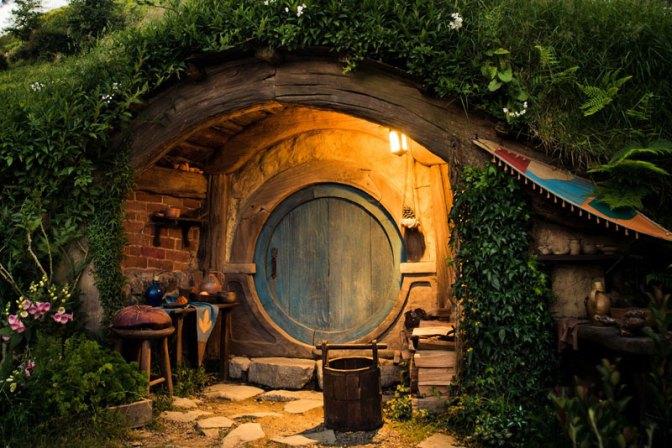 hobbiton-movie-set-tour-new-zealand-14.j