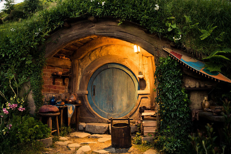 hobbiton is a real place in new zealand this is what it looks like twistedsifter. Black Bedroom Furniture Sets. Home Design Ideas