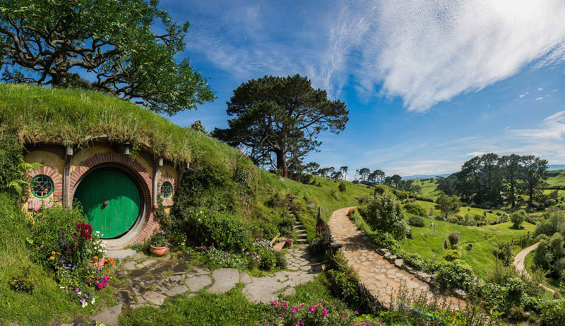 Hobbiton is a Real Place in New Zealand. This is What it Looks ...