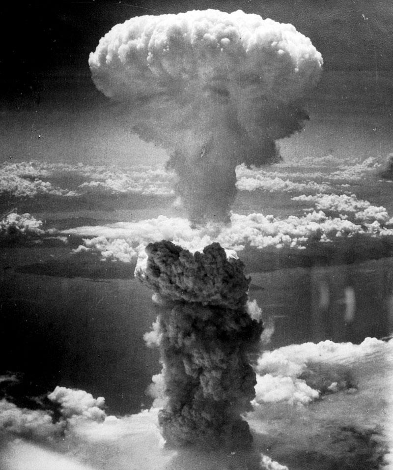 Nagasaki-atomic-bomb-mushroom-cloud
