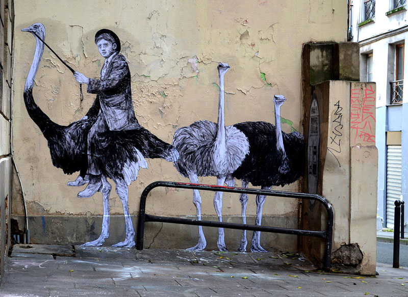 street art in paris by levalet (2)