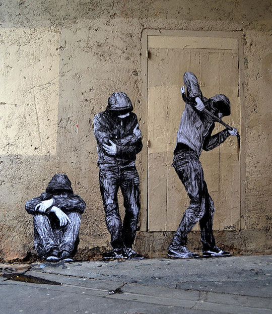 street art in paris by levalet (27)