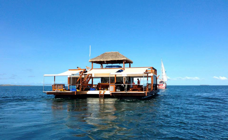 cloud 9 fiji floating bar in the middle of the ocean (1)