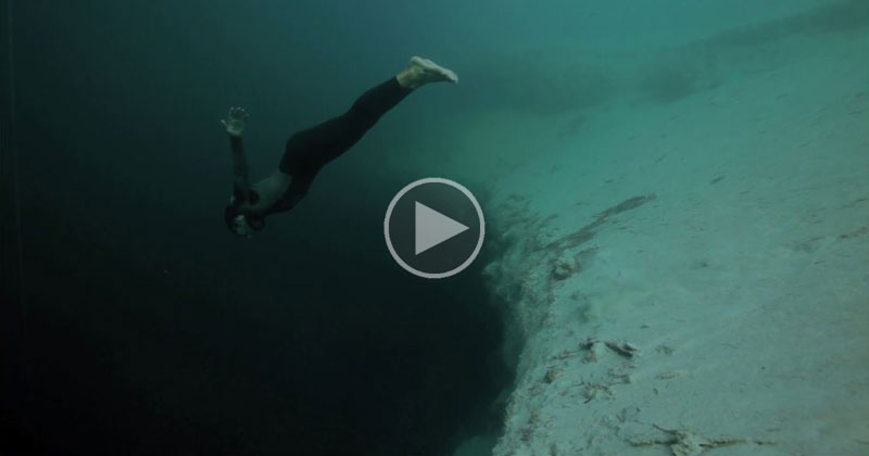 freediving-into-the-abyss-deans-hole-bahamas