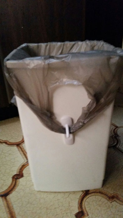 garbage bag clip life hack
