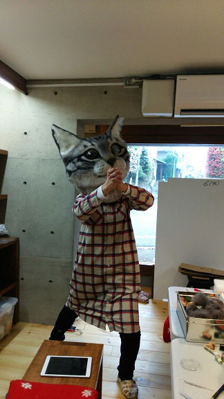 giant cat head you can wear japan (14)