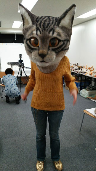 giant cat head you can wear japan (9)