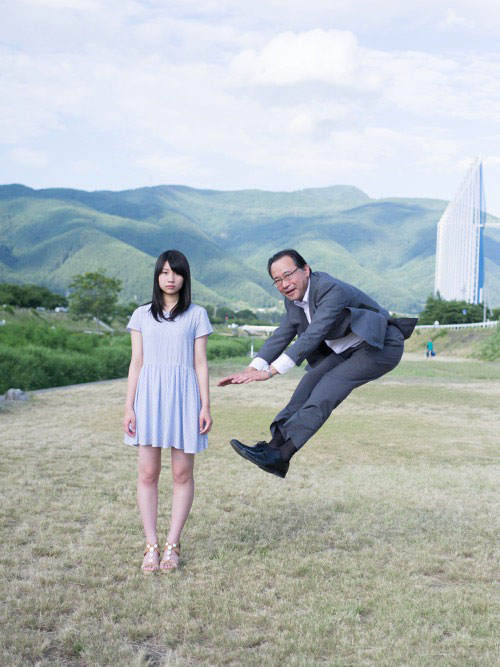 Japanese Businessmen Jumping Beside their Daughters by yuki aoyama (2)