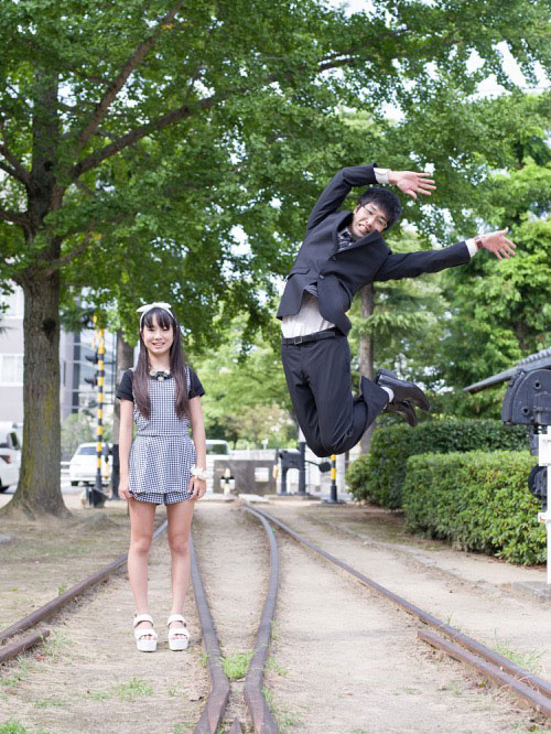 Japanese Businessmen Jumping Beside their Daughters by yuki aoyama (8)