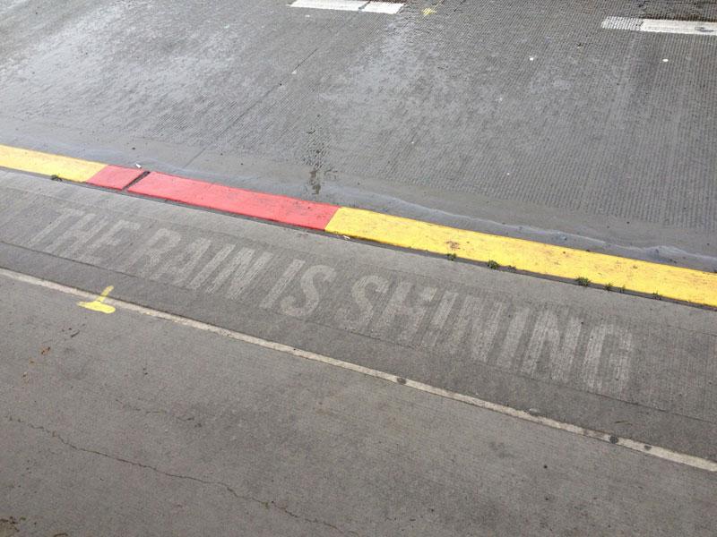 sidewalk art only appears when it rains peregrine church rainworks (15)