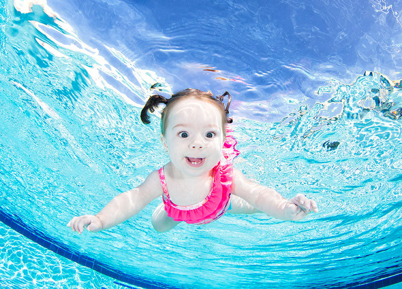 Underwater Photos of Babies Exploring a Brand New World seth casteel (5)