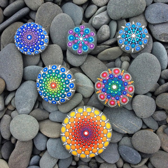 10685489 891259100932058 3505682106631223298 n Artist Finds Beautiful Beach Stones and Covers Them in Tiny Dots of Paint