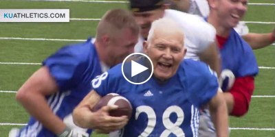 89 Year Old War Vet Scores Awesome Touchdown at Alumni Football Game