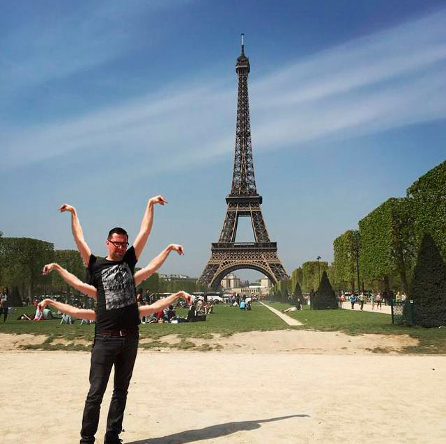 eiffel tower photoshop 4chan (1)
