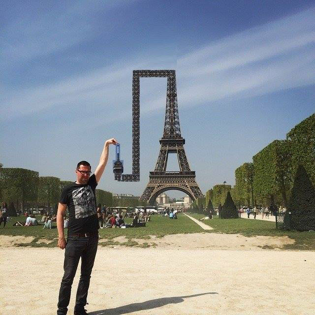 eiffel tower photoshop 4chan (12)