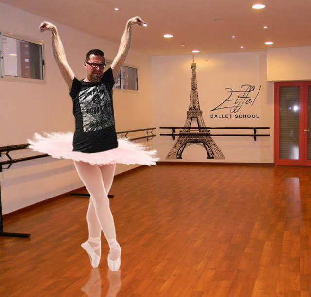 eiffel tower photoshop 4chan (16)