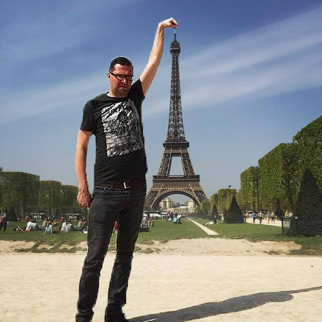 eiffel tower photoshop 4chan (17)