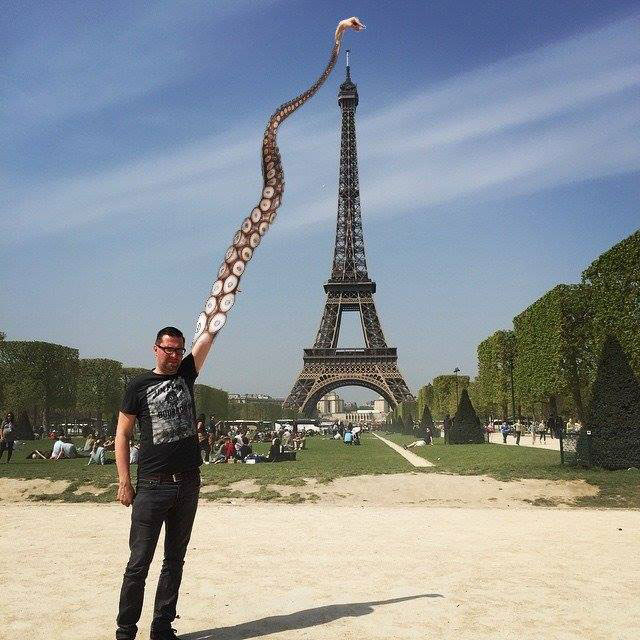 eiffel tower photoshop 4chan (36)