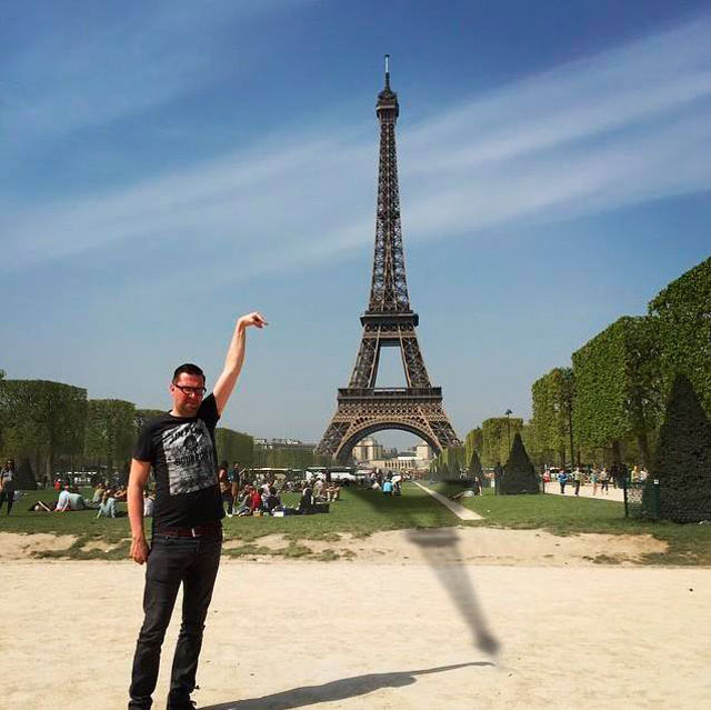 eiffel tower photoshop 4chan (39)