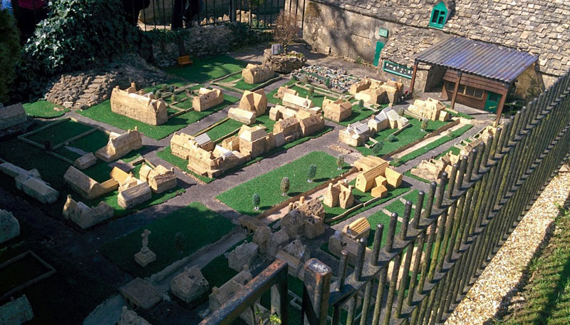 model model model model village bourton-on-the-water cotswold gloucestershire england (6)
