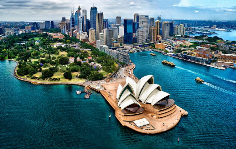 Sydney Harbour, Opera House and City