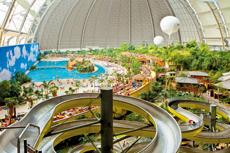 tropical islands resort the Giant Waterpark Inside an Old German Airship Hangar (33)