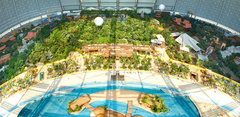 tropical islands resort the Giant Waterpark Inside an Old German Airship Hangar (4)