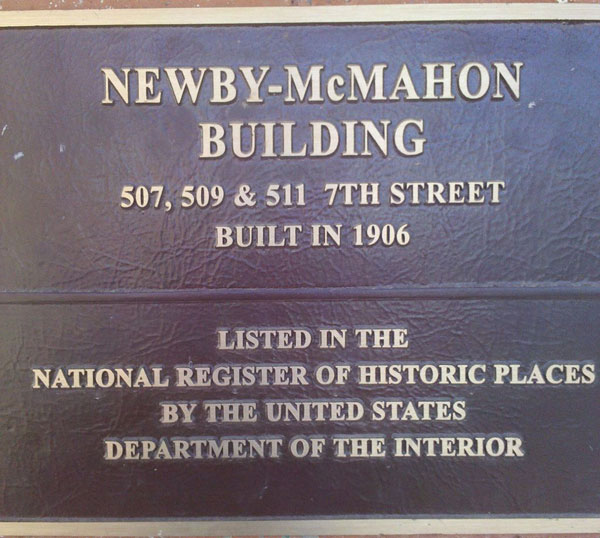 worlds smallest skyscraper Newby-McMahon_Building-wichita falls texas (4)
