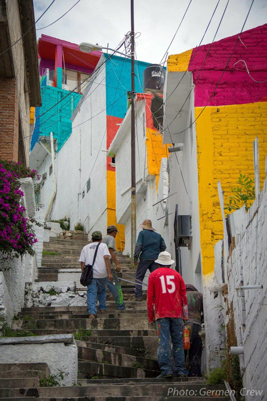Community Unites Over Street Art Project to Paint houses in their Neighborhood (4)