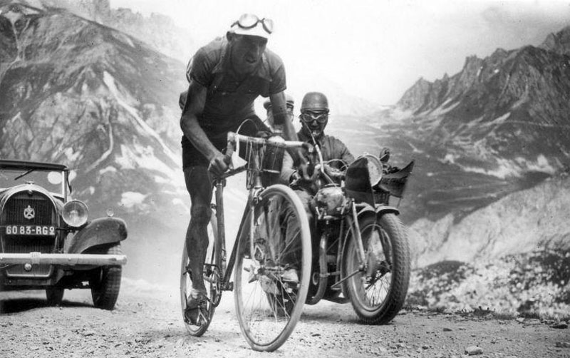 Picture of the Day: Vintage Tour de France, 1934