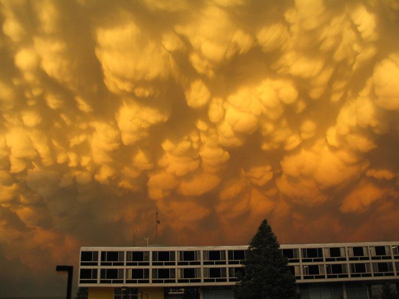 mammatus-clouds-(7)
