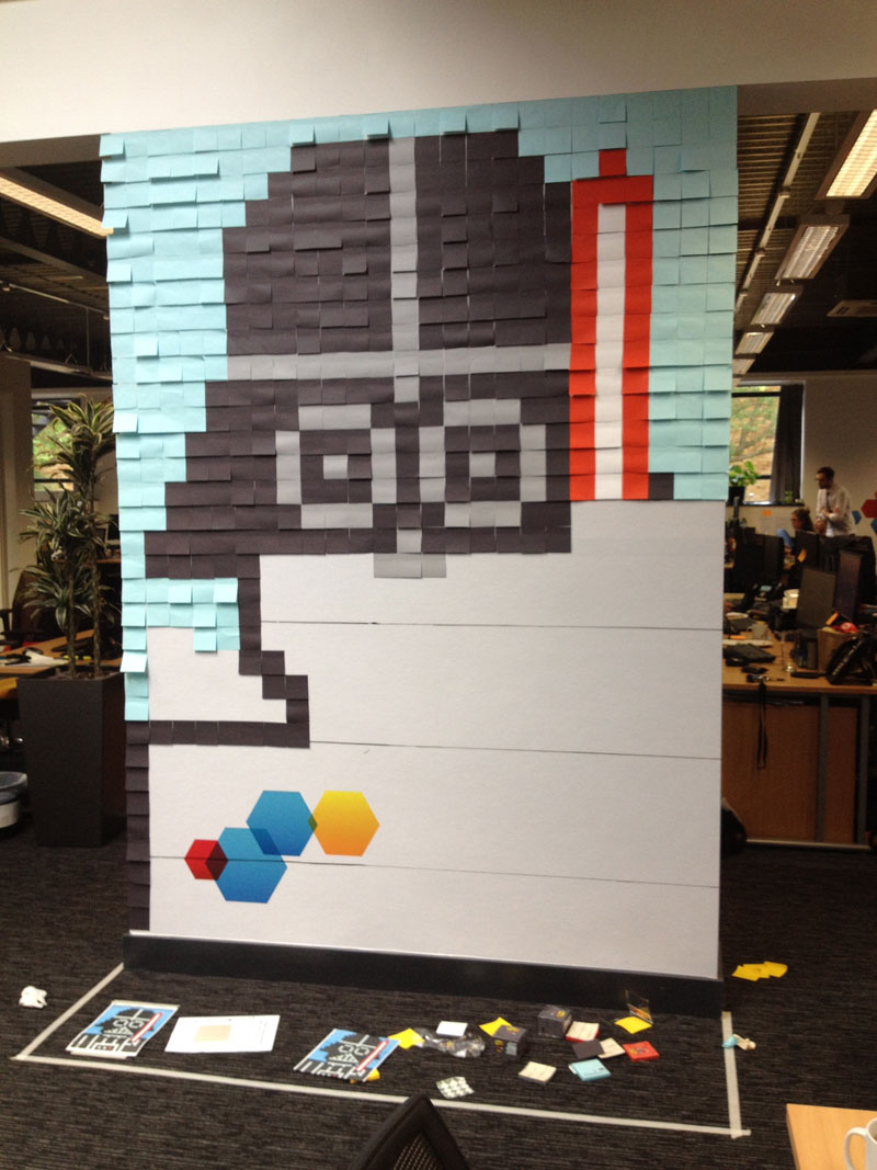 Co-Workers Use Post-Its to Turn Boring Office Walls Into Awesome Star Wars Characters (17)