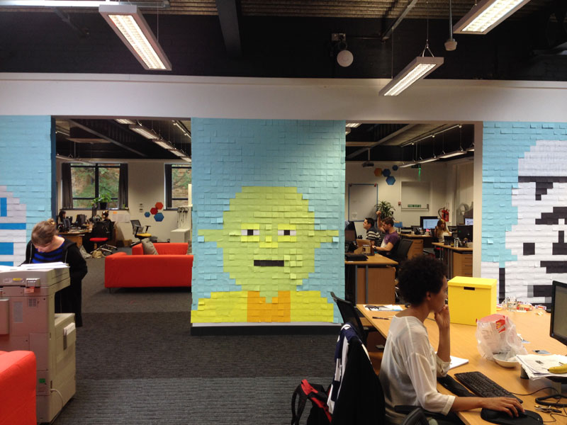 Co-Workers Use Post-Its to Turn Boring Office Walls Into Awesome Star Wars Characters (19)