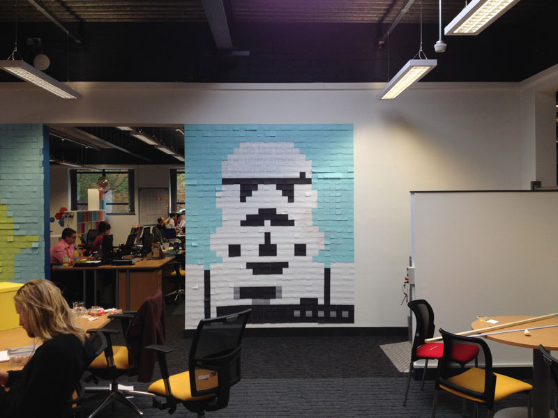 Co-Workers Use Post-Its to Turn Boring Office Walls Into Awesome Star Wars Characters (20)