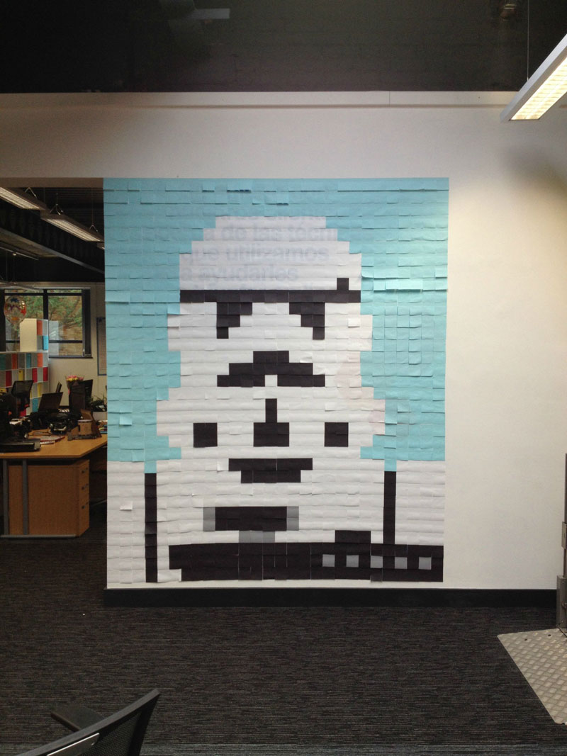 Co-Workers Use Post-Its to Turn Boring Office Walls Into Awesome Star Wars Characters (4)