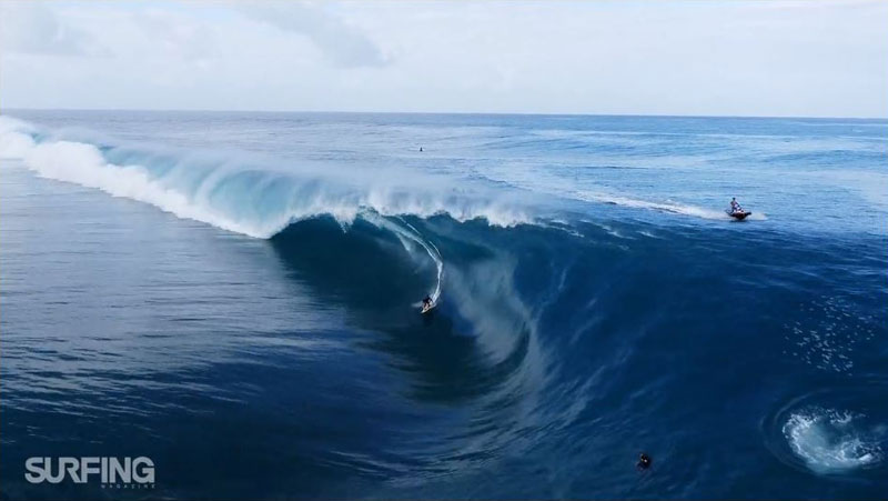 drones-and-surfing-a-teahupoo