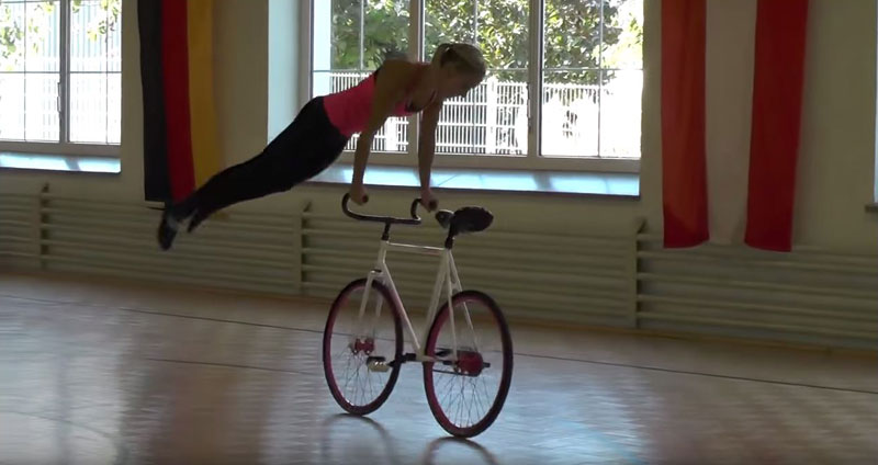gymnastic-cycling-artistic-cycling-blonde-girl