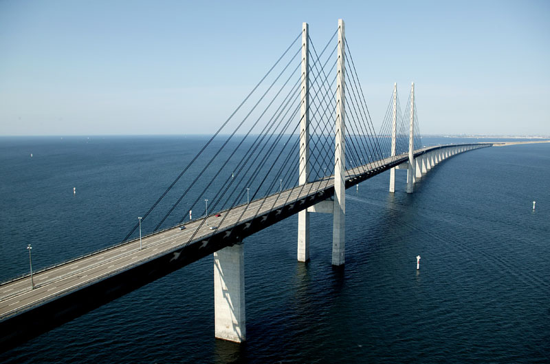 oresund bridge tunnel connects denmark and sweden (10)