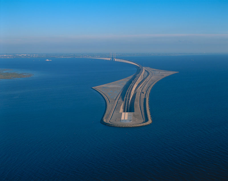 oresund bridge tunnel connects denmark and sweden 13 Troll A   The Tallest Structure Ever Moved by Mankind