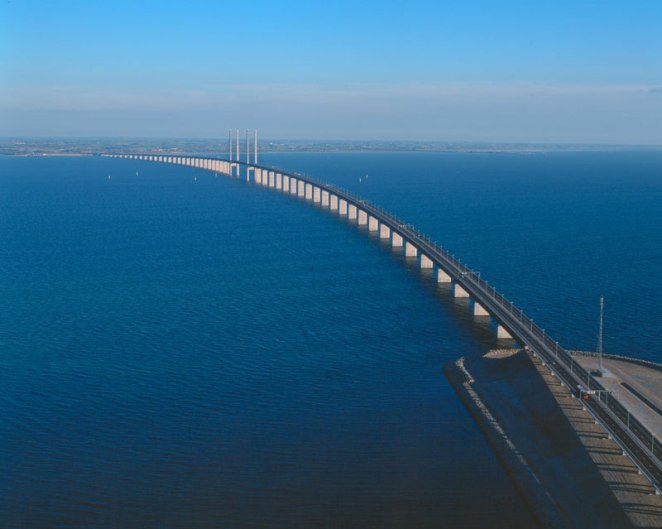 oresund bridge tunnel connects denmark and sweden (6)