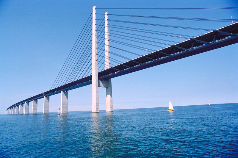 oresund bridge tunnel connects denmark and sweden (7)