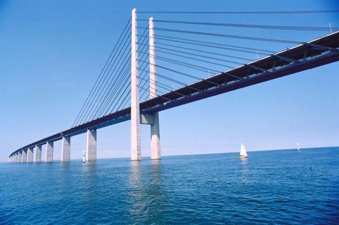 oresund bridge tunnel connects denmark and sweden (7)