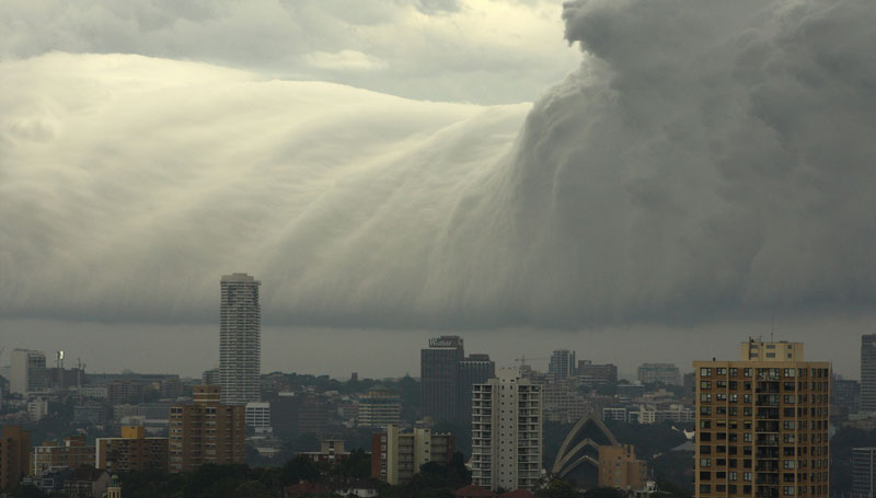 Picture of the Day: Tsunami Cloud Over Sydney