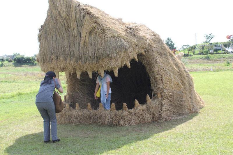 straw art festival niigata city japan (11)
