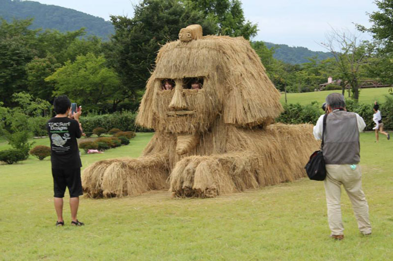 straw art festival niigata city japan (2)