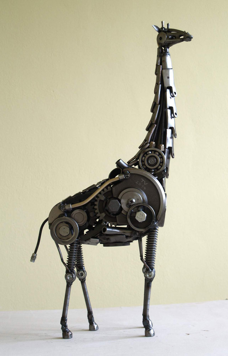 Tomas Vitanovsky makes animal sculptures out of scrap metal (10)